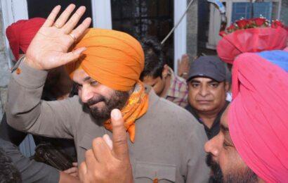 Navjot Sidhu says his journey has just begun, thanks Gandhis for naming him Punjab Congress chief