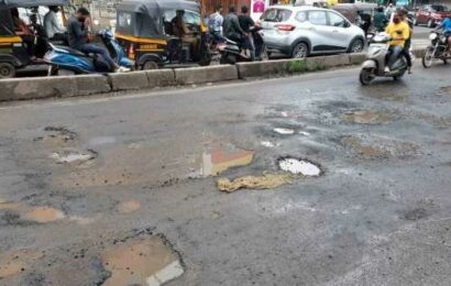 PMC draws ire of civic activists for potholed roads