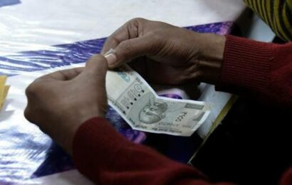 Rupee makes U-turn, settles 27 paise higher at 74.61 against U.S. dollar
