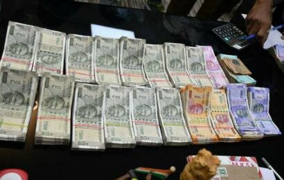 Rupee settles 6 paise higher at 74.58 against U.S. dollar
