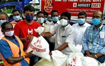 Sanitary workers in Villupuram given assistance