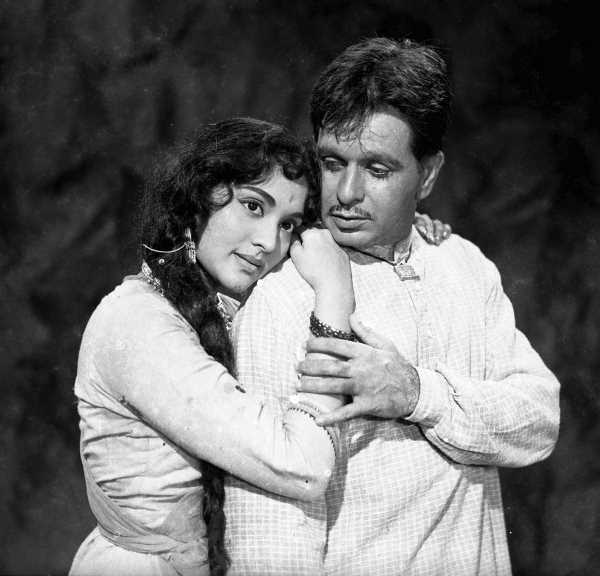 Why Naseeruddin Shah is WRONG about Dilip Kumar