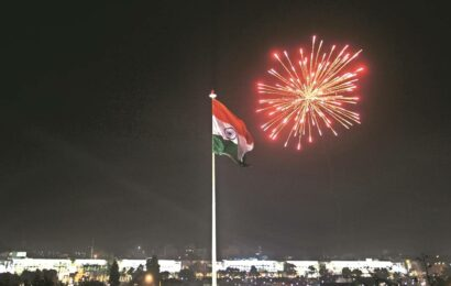 Ahead of I-Day, first five of 500 high-mast Tricolours set up in Delhi