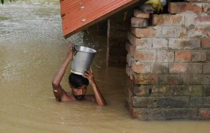 As West Bengal struggles to stay afloat, Met forecasts more rainfall till August 6