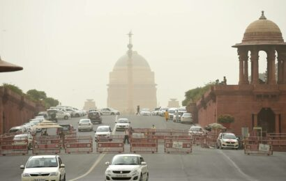 Delhi: High temperatures to continue for next 2 days, rainfall predicted later this week