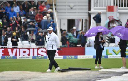 India vs England: Sunil Gavaskar bats for neutral umpires