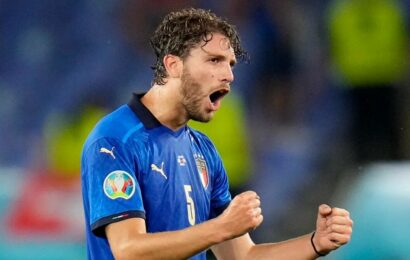 Manuel Locatelli completes Juventus move from Sassuolo