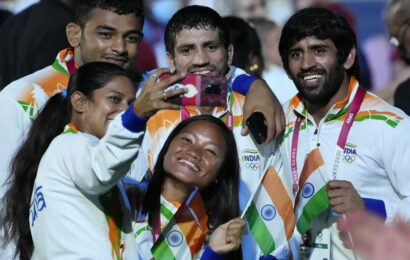 Men behind the medals: Seven foreigners, 1 Indian