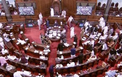 Parliament proceedings | RS adjourned in eight minutes as Opposition once again rejects proposal to debate farm issue instead of Pegasus