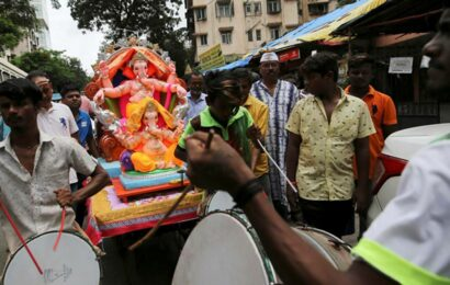 Pune: Cops hold meeting with Ganesh Mandal members, urge them to follow Covid norms during festival