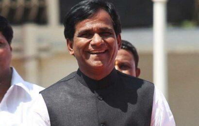 Union minister Raosaheb Danve compares Rahul Gandhi to useless bull, draws flak
