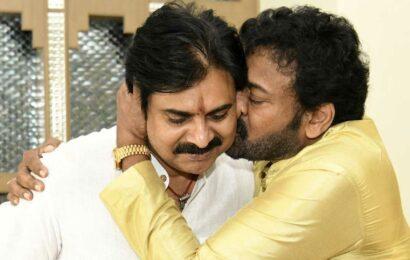 Chiranjeevi wishes to his brother and birthday boy Pawan Kalyan