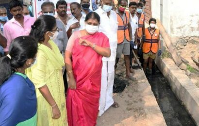 Desilting of sewage and stormwater drainage channels gets under way in Thoothukudi