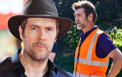 'Don't know him' Rhod Gilbert addresses if he's spoken to Nick Knowles about DIY SOS role