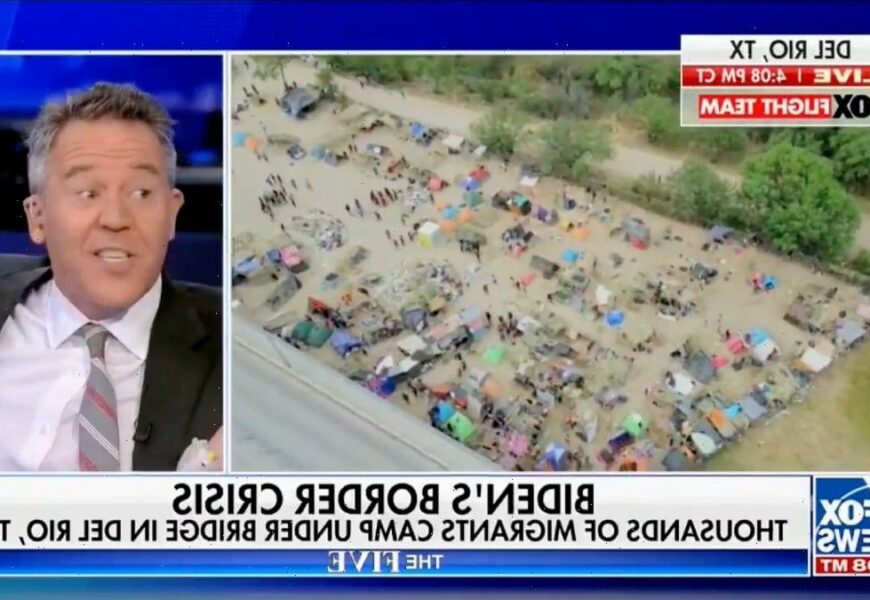 Fox News' Greg Gutfeld Likens Horse-Mounted Border Patrol Agents to NYPD in 'Times Square at Last Call' (Video)
