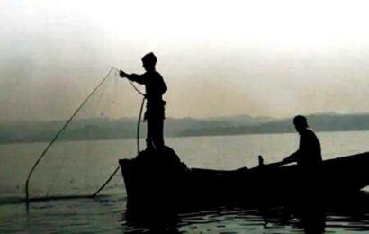 Indian Coast Guard rescues seven fishermen near Diu