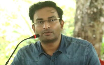 Kerala: Case against IAS officer for sending inappropriate WhatsApp sticker to woman journalist