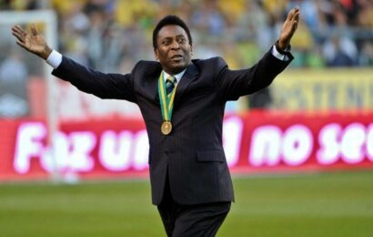 Pele in hospital but no cause for concern, his manager says