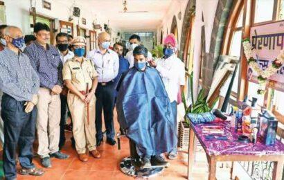 Pune: After 7 years' jail for culpable homicide, barber begins new life, sets up salon