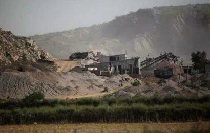 Punjab: Villagers near Mullanpur allege illegal sand mining