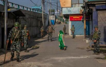 Restrictions on assembly of people continue in most of Kashmir, mobile Internet snapped again
