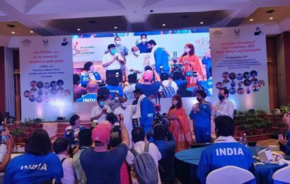 Social justice minister felicitates all 54 para-athletes who participated in Tokyo Paralympics