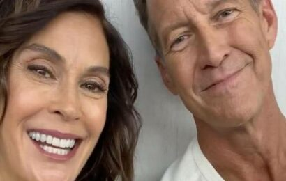 'Desperate Housewives' stars Teri Hatcher, James Denton to reunite for holiday movie