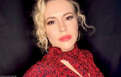 Alyssa Milano Arrested While Protesting for Voting Rights Outside the White House