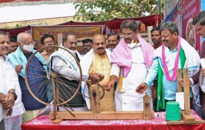CM promises foodgrains at doorstep from January 26