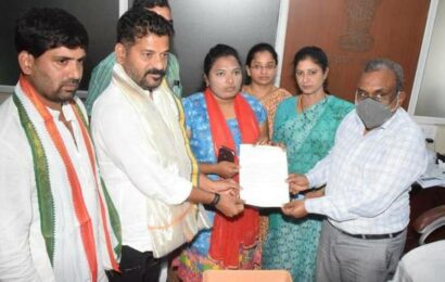 Revanth meets CEO, seeks action against TRS leaders