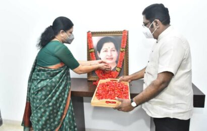 Sasikala likely to visit Jaya memorial on Oct 16, first since release from prison