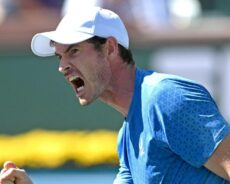Swiatek, Murray advance to 3rd round at Indian Wells